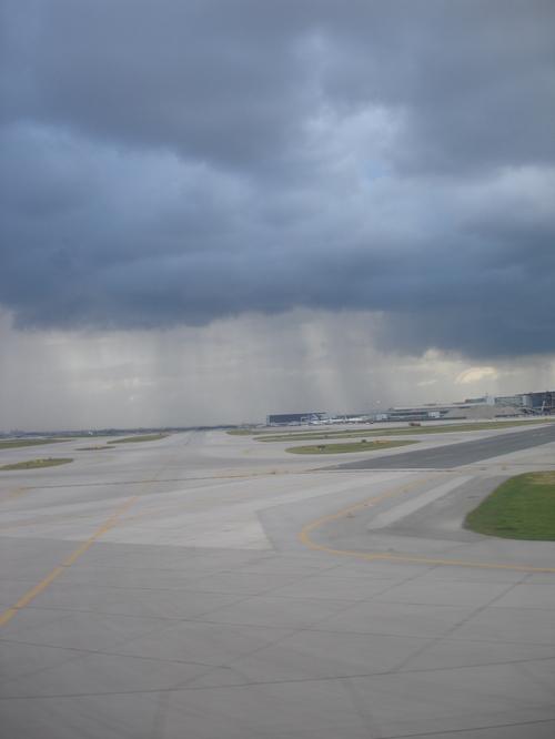 Thunderstorms around Pearson